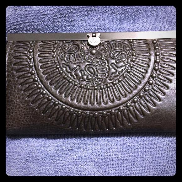 Patricia Nash Handbags - Patricia Nash grey wallet